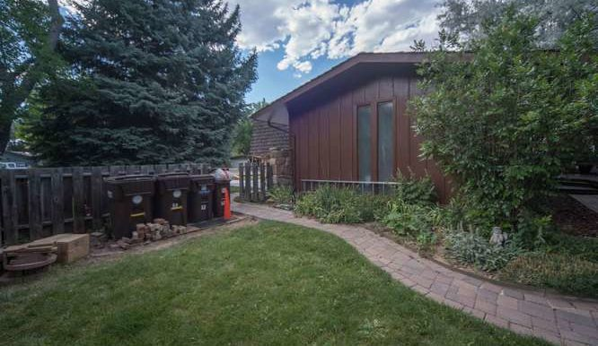 4563 Beachcomber Ct Boulder CO-small-020-018-Side Yard-666x445-72dpi